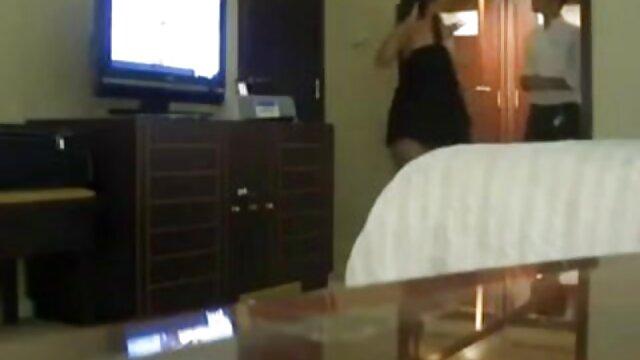 州からの中国人は、バスルームに船長を吸い込み、彼はその粘着性の奈落の底に吹いたベビーベッドに移動しました 熟女 レズ エロ 動画
