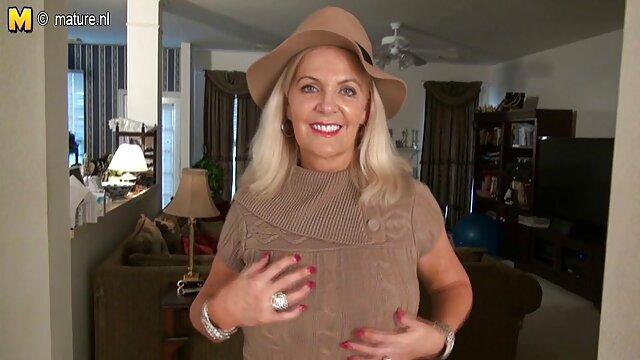 妊娠中の女性は、メールでドアに癌ロールで寿司の配達のために支払います。 熟女 の レズビアン 動画