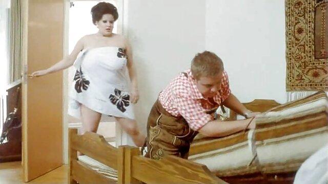 ポンピング男は巨大なhuyvaidolmetryと刑務所で女性の体に穴を開けます 無料 アダルト 動画 レズビアン