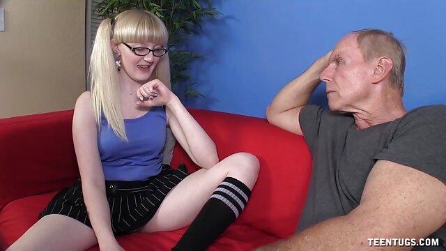 ビキニの薄い部分は、バレルに移動され、二shnyagiで膣開口部ときれいな真空 レズビアン 無料 動画