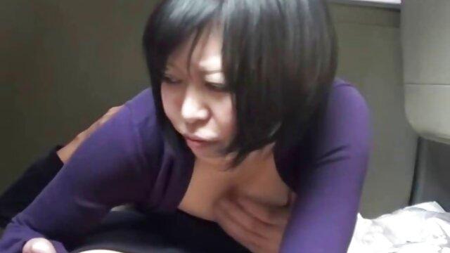 赤毛ィングプロフェッショナルは、リッチクライアントのために彼女の事務所を吸っと待の大きなコック レズビアン クンニ 無料 動画