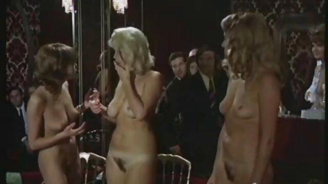 ベドウィンの口ひげは、若い孫が興奮したままになり、その結果、彼は洗濯機で吸い込まれました レズビアン 動画 サンプル