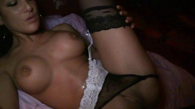 かわいい女の子が好きシニアマネージャー弄彼女のトロトロの白いソファーのマンションです。 レズビアン 動画 無 修正