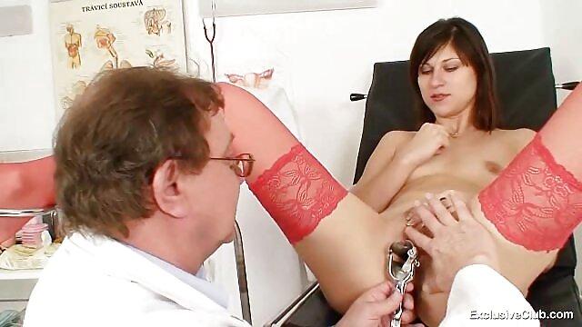 10日本の吸います精液粘着性の口でA時間のために日本の女の子 レズビアン エロ ビデオ