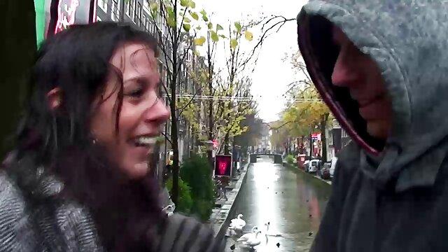 スポーツコメンテーターは大きなペニスを出し、膣の中に人生のペアに入ります。 レズビアン エロ 無料 動画