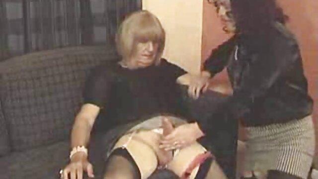 女と男のハイブリッドボディ、ポンピングされた黒いクリトリスと膣オナニー アダルト ビデオ レズビアン