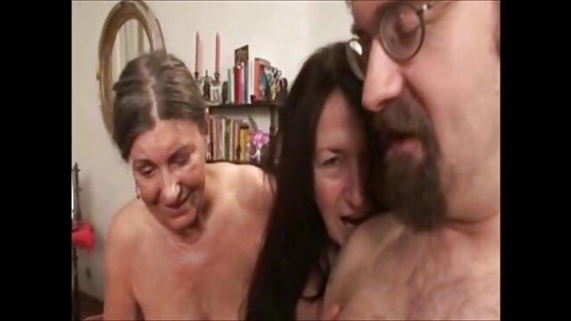 売り手のソファのショールームと性交する恥じていないバイヤー レズビアン 動画 サンプル
