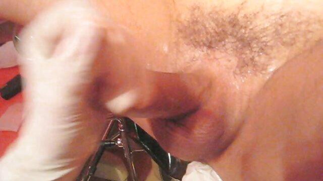 うめき声で、肛門に入るドリナに満足していません。 レズビアン 無 修正 無料