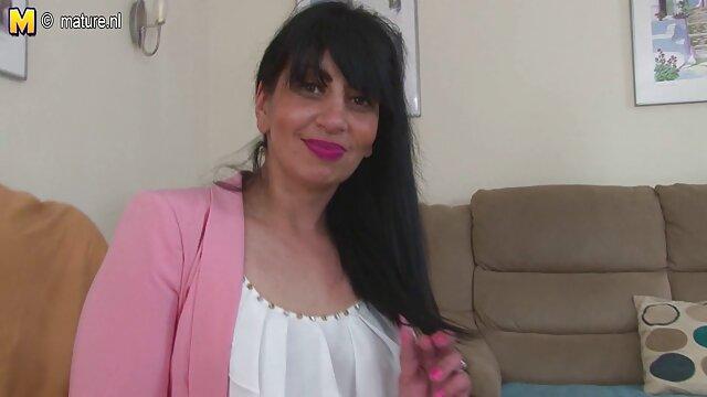 スペインは必死に彼女の愛をドラッグし、彼女はそれを確保し、上からハードそれを犯した直前に、それを吸うために彼女のズボンからコックを引っ張 レズビアン h 動画