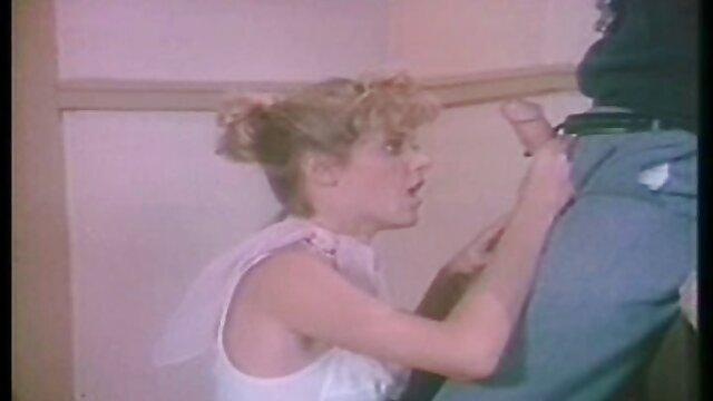 いくつかの長い体のメンバー官能的な女の子と肛門の入り口 無料 エロ 動画 レズビアン