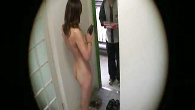 私は短い時間のためにトイレに行って、そこに穴からパンハンドルメンバー、私は真空にする必要があります。 レズビアン セックス 無料 動画